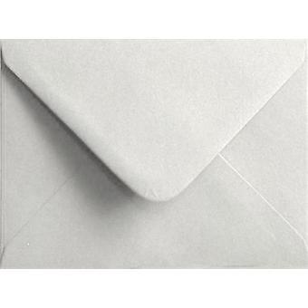 "Vit gummerat 5 ""x 7"" färgade vita kuvert. 100gsm FSC hållbart papper. 133 mm x 184 mm. bankir stil kuvert."