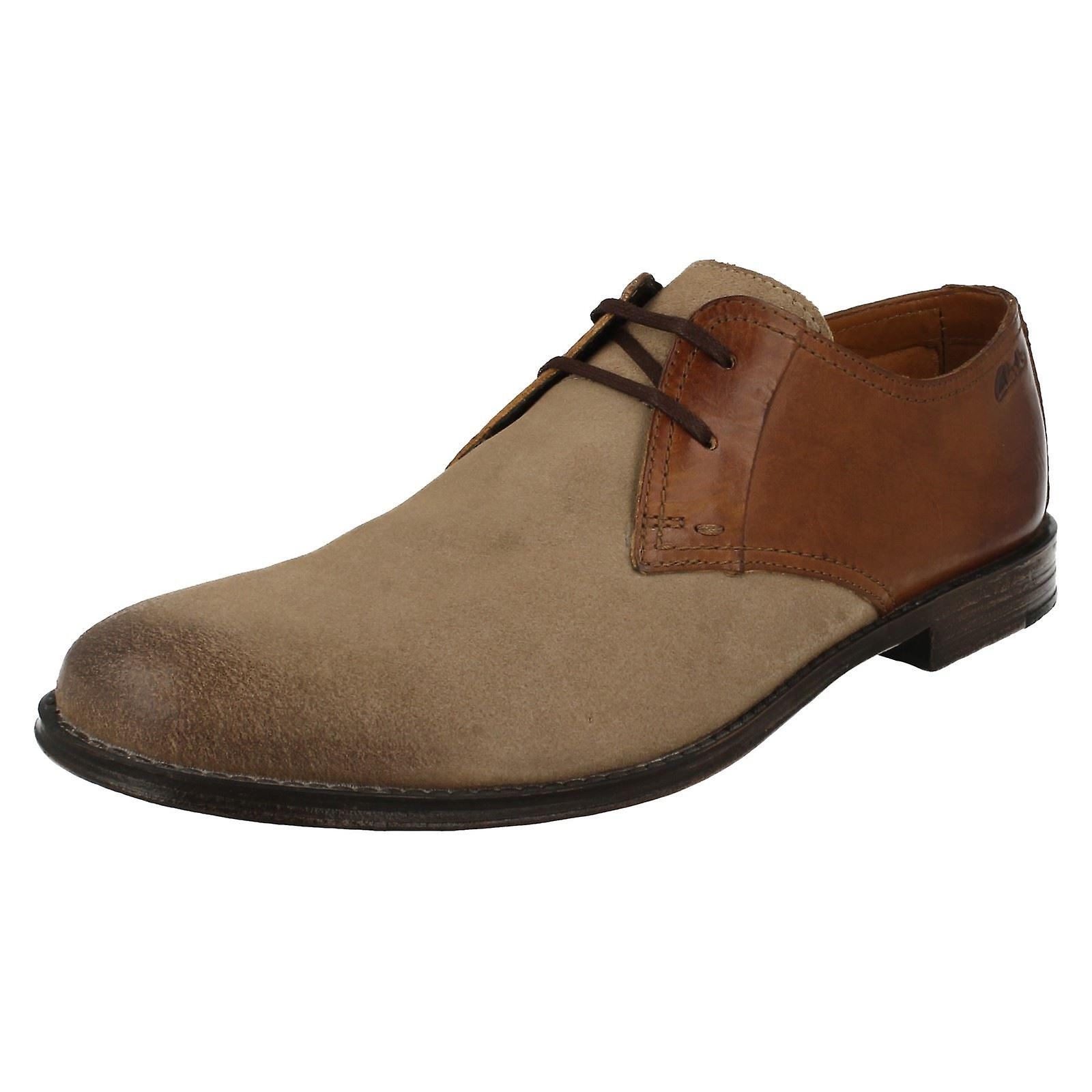 Mens Clarks chaussures Smart Hawkley à pied