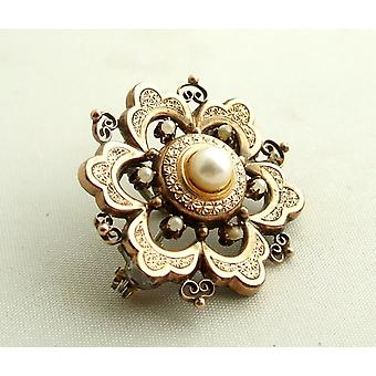 Gold and silver brooch with pearls