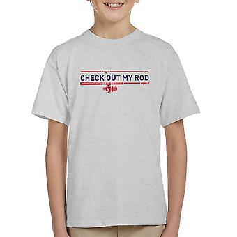Schauen Sie sich meine Rute Angeln Kinder T-Shirt