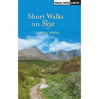 Korta promenader på Skye av Young - Joanna - 9781842820650 boka