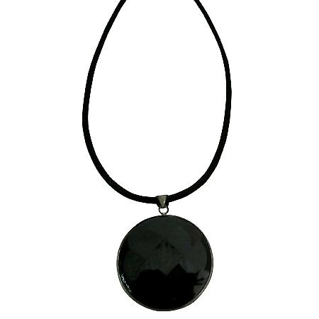 Agate Stone Round Pendant Framed in Rhodium Pendant Necklace Jewelry