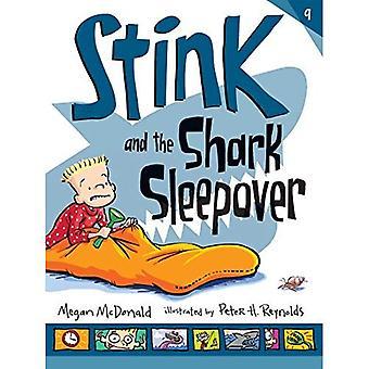 Mau cheiro e a festa do pijama do tubarão