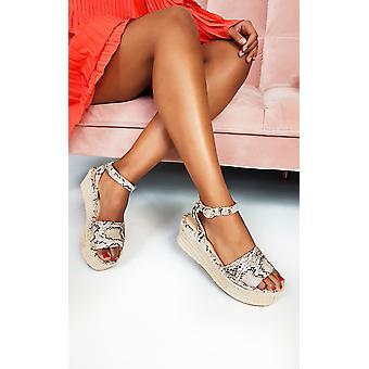 IKRUSH Womens Cassie Flatform Sandals