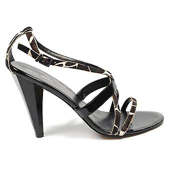 Nine West Womens Ankle Strap Sandal Nwdoubts Blkivory Blk