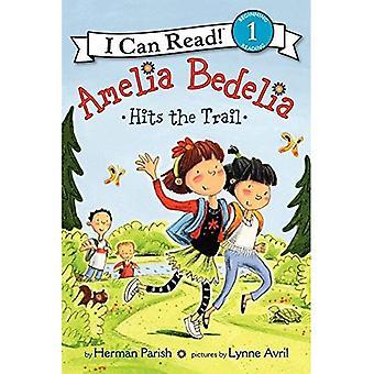 Amelia Bedelia Hits the Trail (I Can Read Young Amelia Bedelia - Level 1