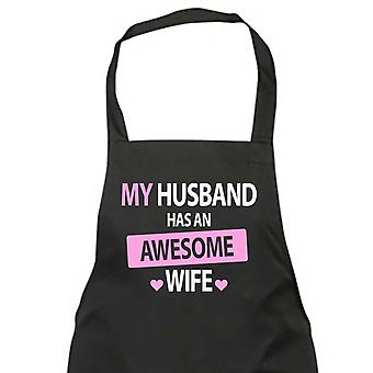 Mi esposo tiene una mujer impresionante negro delantal