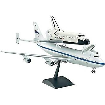 Revell 04863 Boeing 747 SCA & Space Shuttle Spacecraft assembly kit 1:144