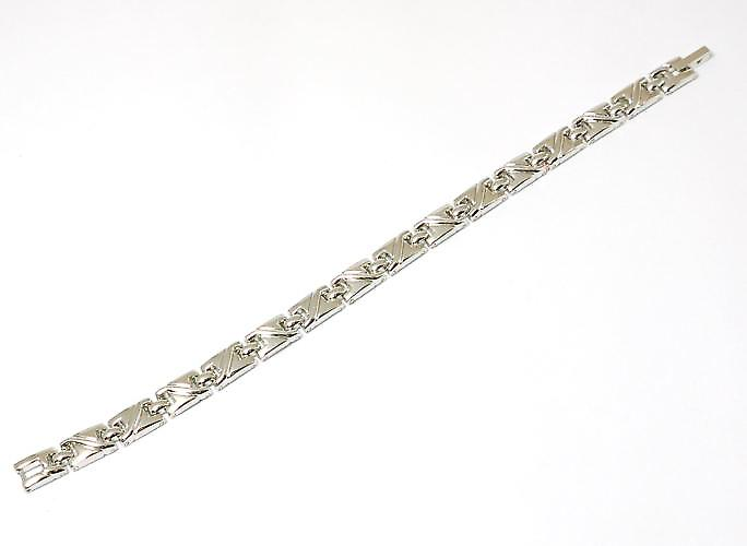 The Olivia Collection Ladies Silvertone Magnetic Bracelet 7.5 Inches