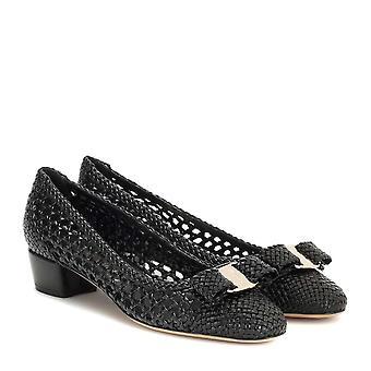 Salvatore Ferragamo Womens Vara Woven Leather Closed Toe Classic Pompes