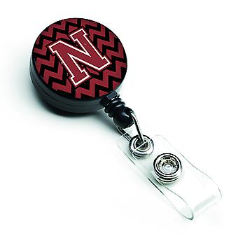 Letter N Chevron granaat en zwarte intrekbare Badge Reel