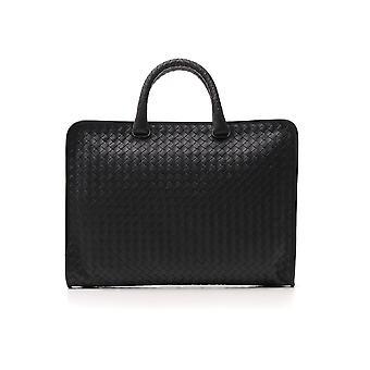 حقيبة جلدية سوداء بوتيغا فينيتا