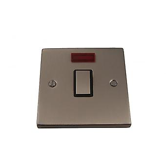 Causeway 1 Gang 20A DP göt Switch med Neon, Satin Chrome