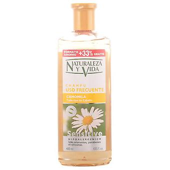 Naturaleza y Vida Sensitive Shampoo Camomile 300 + 100 ml (Woman , Hair Care , Shampoos)