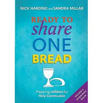 Klar til å dele ett brød forberede barn for nattverden av Millar & Sandra