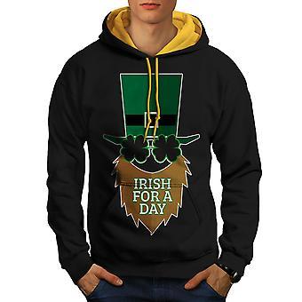 Ierse voor een dag mannen zwart (gouden kap) Contrast Hoodie | Wellcoda