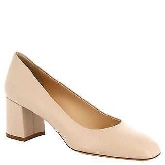 Leonardo skor kvinnors handgjorda kvadrerade toe pumpar i beige kalvskinn