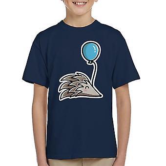 Erizo con la camiseta de un niño globo