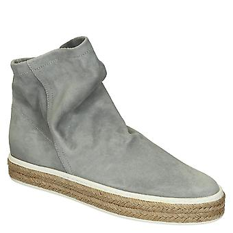 Flat slip-ons ankle boots in pearl grey soft suede leather