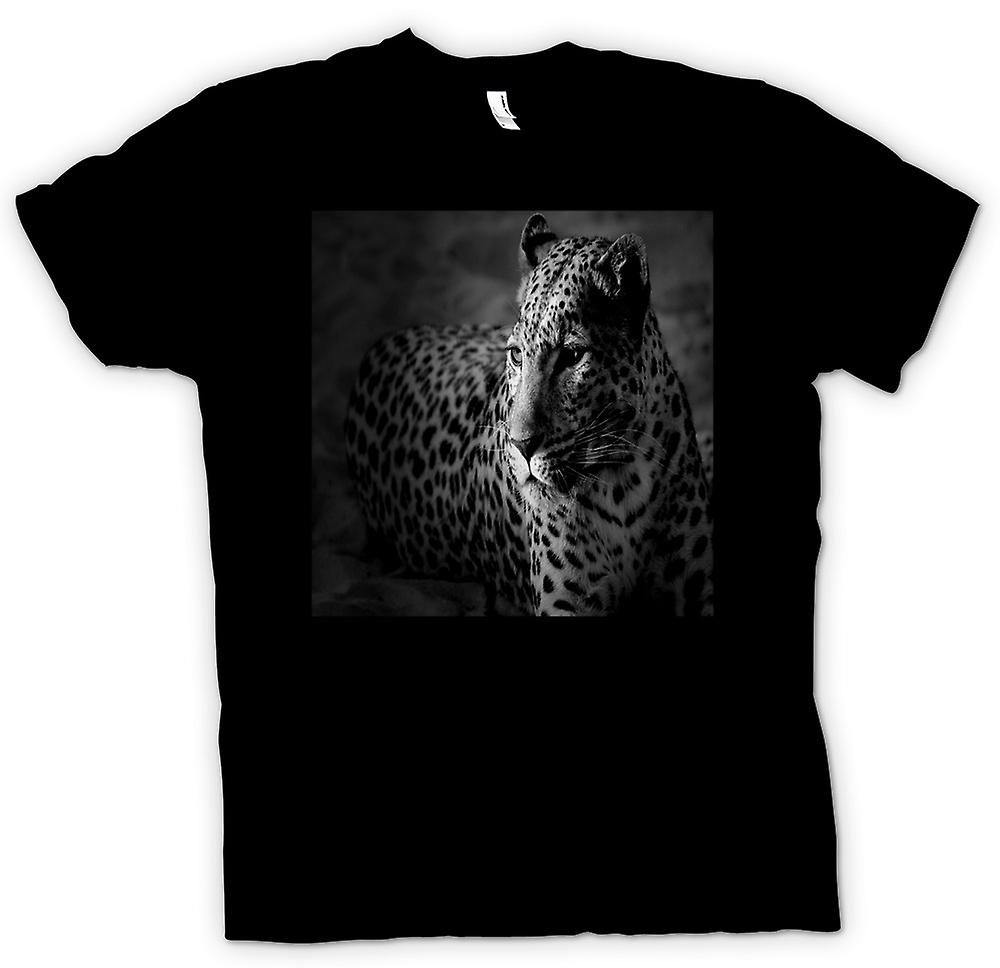 Mens T-shirt - Leopard , Big Cat  And White Photo