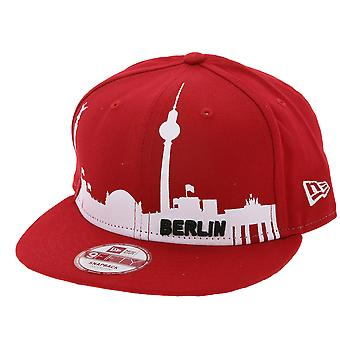 NEW ERA Snapback baseball cap Berlin skyline Cap Red