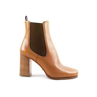 Car shoe women's KDT87JASKF0054 brown leather ankle boots